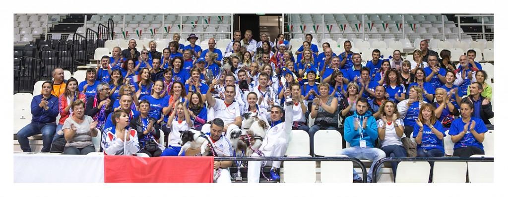0076-11 octobre 2015 - Supporters et Equipe de France